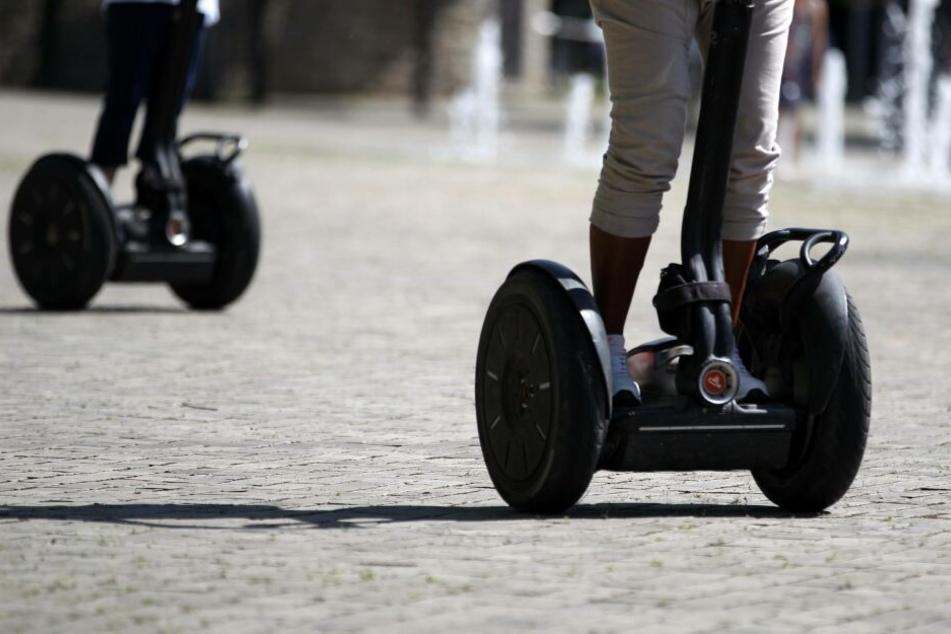 Kollision auf Parkplatz: Betrunkener Segway-Fahrer rammt Radler