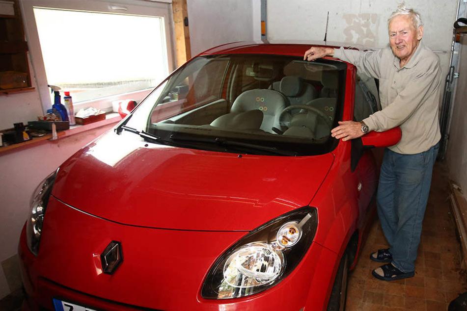 Waldemar Günther fährt immer noch Auto - allerdings nur auf kurzen Strecken.