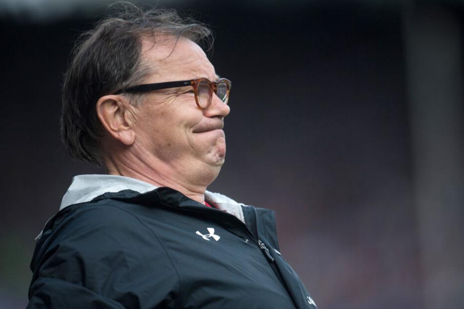 Ewald Lienen glaubt genau zu wissen, warum man zum Fan des FC Bayern München wird.