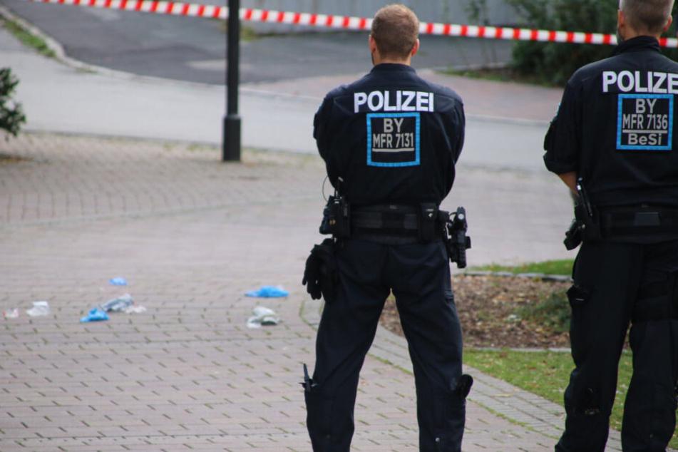 Bei einem Polizeieinsatz im Landkreis Fürth ist ein 41-Jähriger schwer verletzt worden.