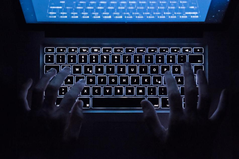Auch tausende E-Mails waren mit einer Schadsoftware infiiziert.