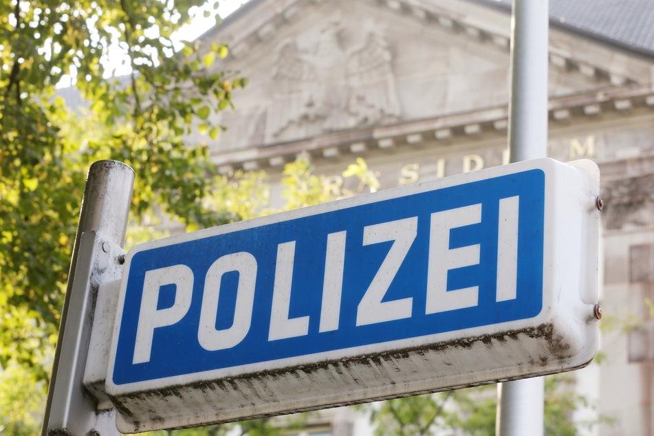 Fast 30 Polizisten in Nordrhein-Westfalen stehen unter Verdacht, jahrelang rechtsextremen Chat-Gruppen angehört zu haben. Das Polizeipräsidium Essen steht im Zentrum der Ermittlungen.