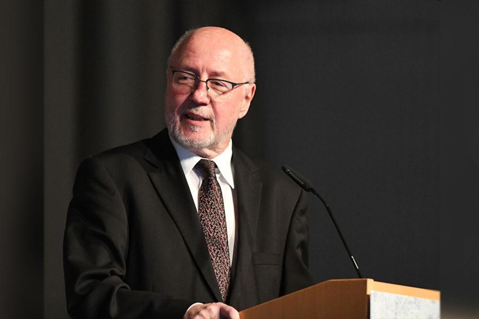 Aufsichtsratsvorsitzender Elmar Volkmann rechnet bis zum Saisonende mit rund 2,51 Millionen Euro neuen Schulden.