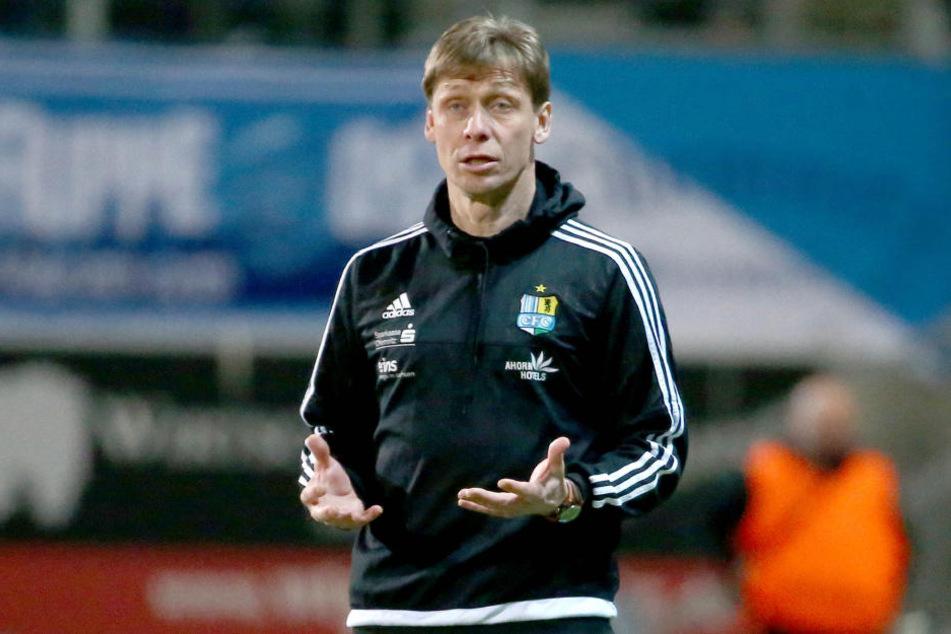 Trainer Sven Köhler war sichtlich angespannt. Aber auch er konnte am Ende erleichtert durchatmen.