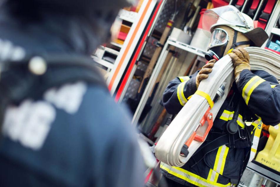 Laut Feuerwehr Frankfurt waren rund 50 Einsatzkräfte vor Ort (Symbolbild).