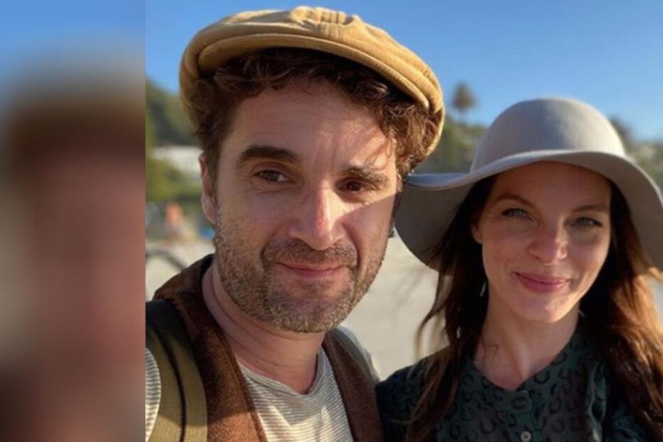 """Yvonne Catterfeld teilt ein Bild mit ihrem Freund und gibt zu: """"Renne vor Romantik weg"""""""