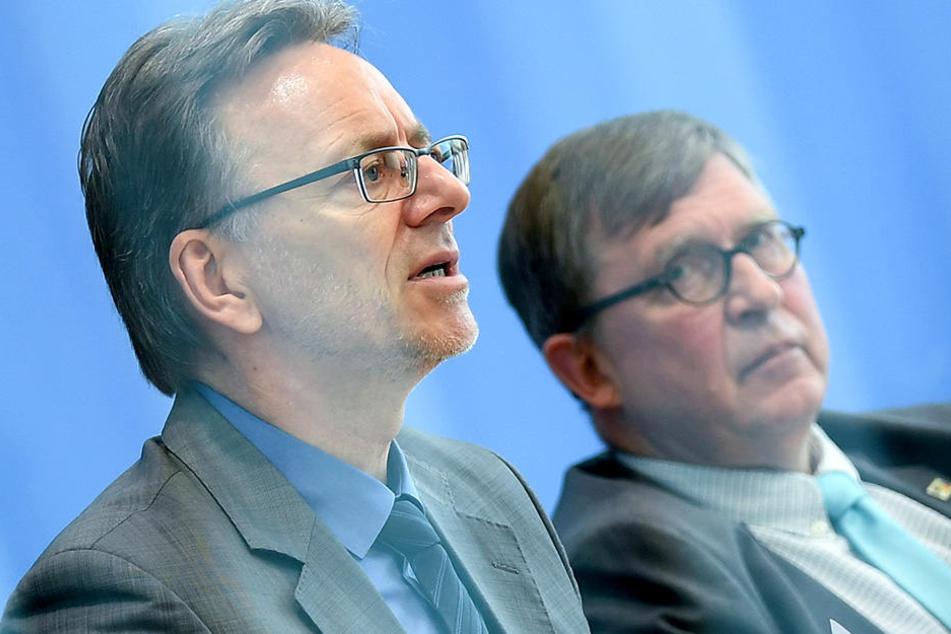 Holger Münch (li.), Präsident des Bundeskriminalamtes (BKA) und Rainer Becker, Vorstandsvorsitzender der Deutschen Kinderhilfe e.V. stellten die Statistik vor.