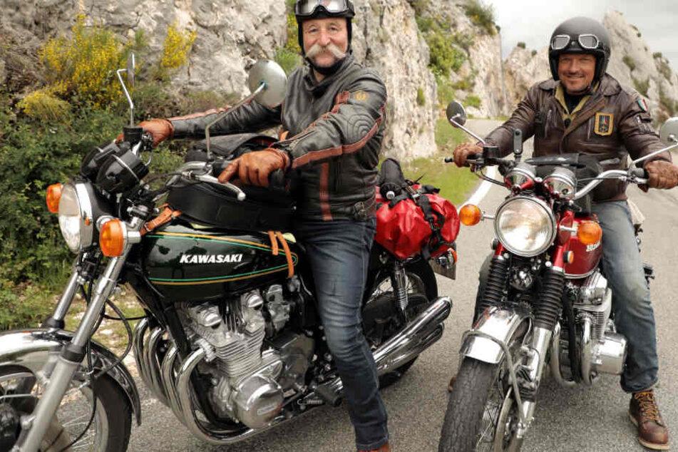 Was machen Horst Lichter und Hardy Krüger jr. auf dem Motorrad in Südfrankreich?