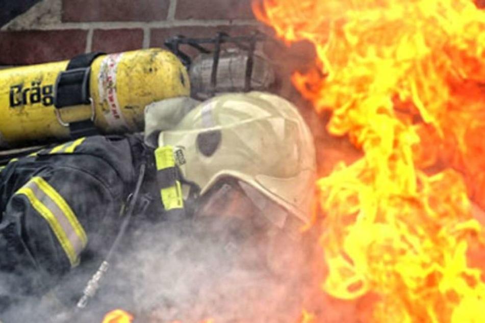Die Feuerwehr konnte nach eineinhalb Stunden den Brand löschen. (Symbolbild)