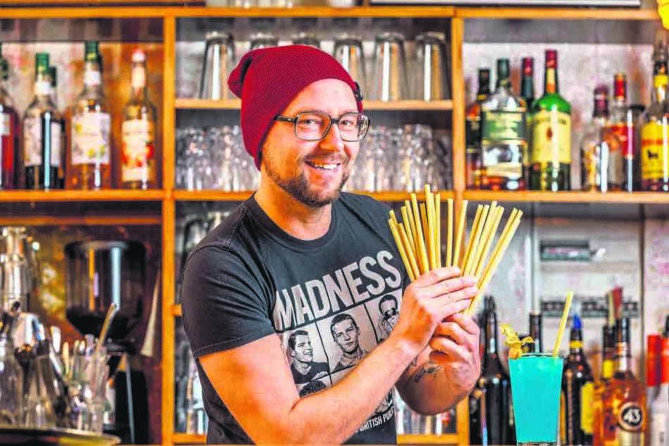 Auf die Nudel gekommen: Gastronom Sascha Reiher (43) serviert die Cocktails in seinen Lokalen nur noch mit Pasta-Einlage.