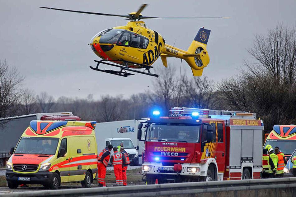 Auch ein Rettungshubschrauber wurde zum Unfallort gerufen.