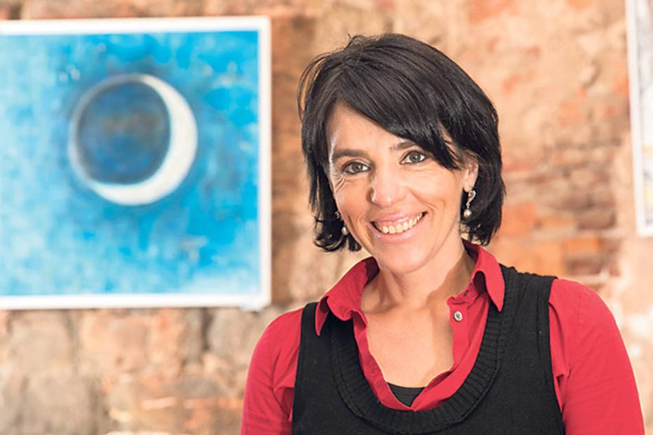 Strahlt selbst viel Lebensfreude aus: die Leipziger Künstlerin Sibylle Henkel.