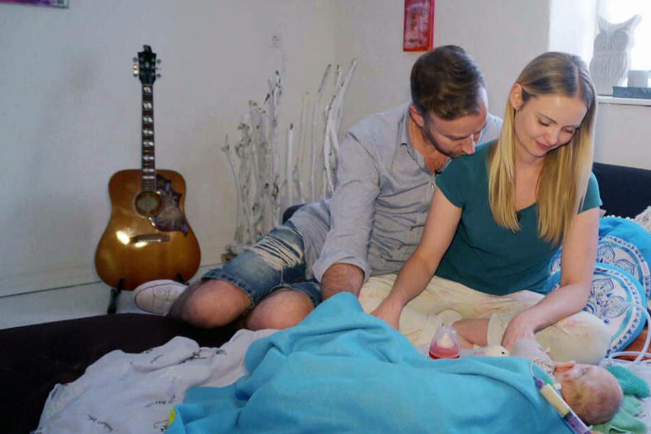 """""""Zuhause im Glück"""" hilft Paar mit schwerst-behindertem Baby"""
