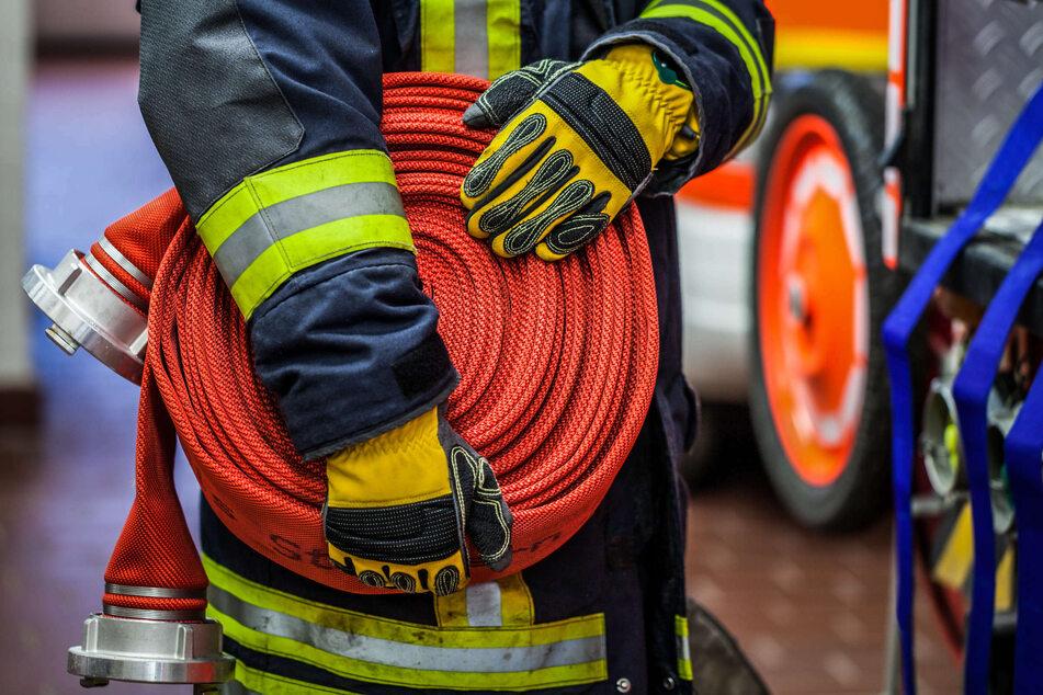"""Der WDR zeigt ab dem 3. Mai in der vierten Staffel der Doku-Reihe """"Feuer & Flamme"""" den Feuerwehralltag in der Corona-Pandemie. (Symbolbild)"""