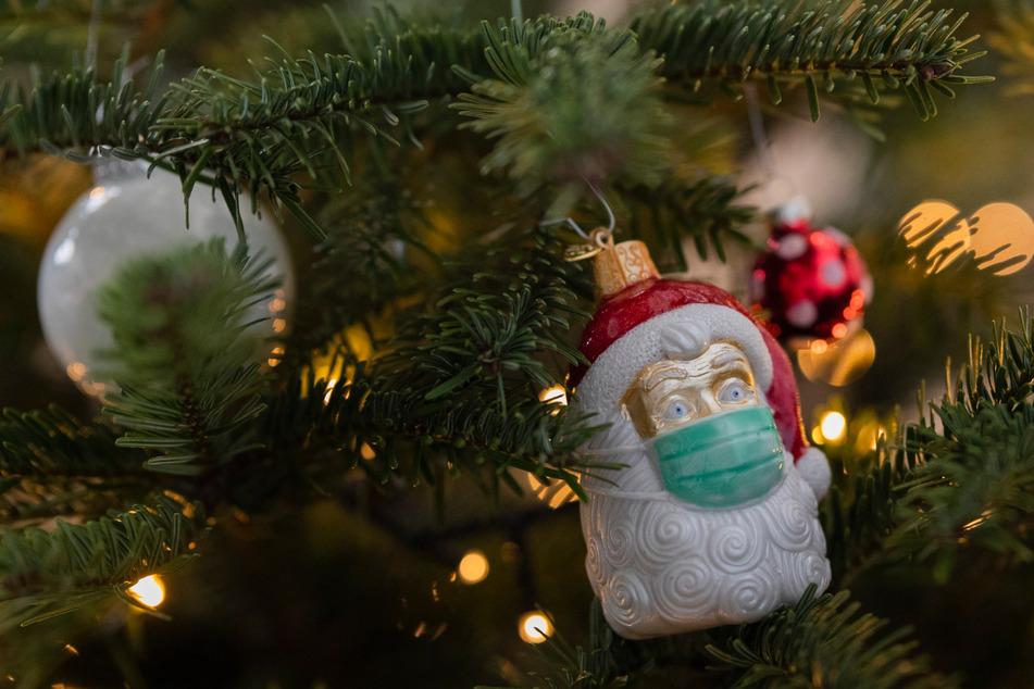Unterm Weihnachtsbaum mit der Familie? Schwierig, wenn man mit ihr gebrochen hat. (Symbolbild)