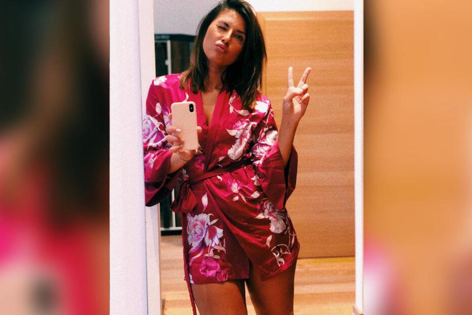 So sexy zeigt sich Jana Azizi auf ihrem Instagram-Account.