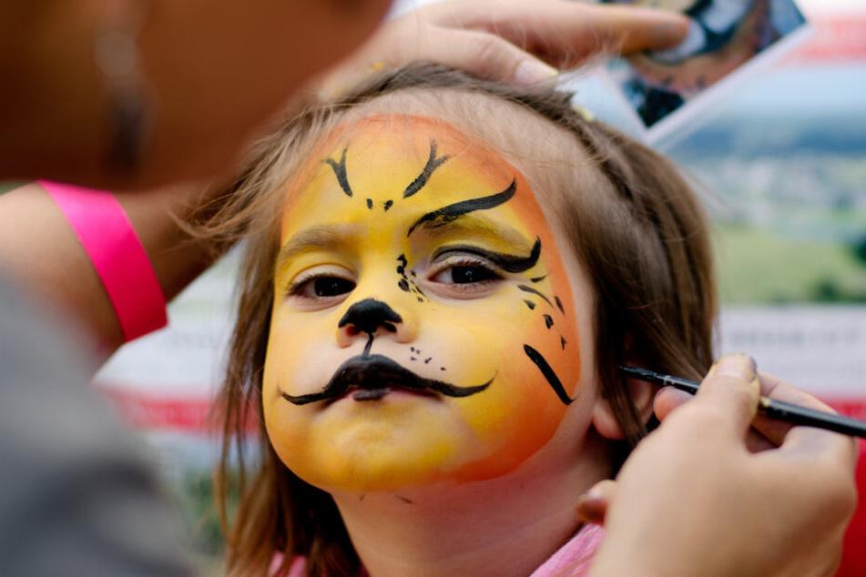 Unter anderem können sich Kinder beim Bergwerk-Herbst schminken lassen. (Symbolbild).