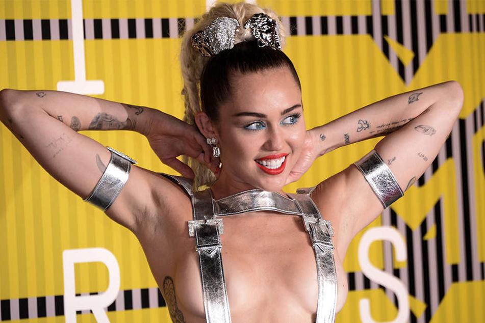 Miley Cyrus geizte schon in der Vergangenheit nicht mit ihren Reizen.