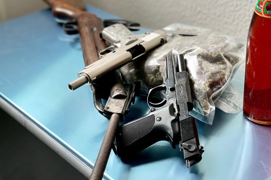 Scharfer Revolver im Plüschpanda, dazu jede Menge Drogen: Spezialeinheit macht heftigen Fund