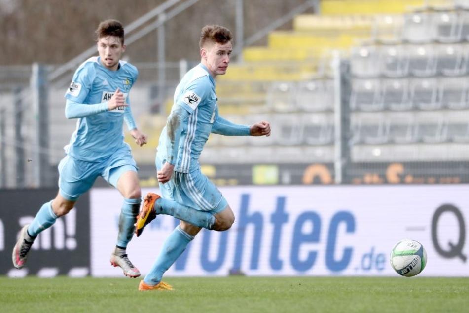 Tom Baumgart (l.) und Florian Hansch sind die himmelblauen Mutmacher, gehen mit Leistung voran. Aber allein kann das Duo nicht für den Verbleib des Chemnitzer FC in der 3. Liga sorgen.