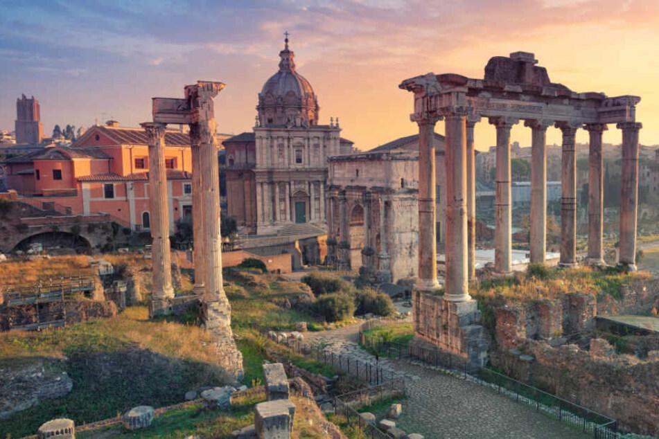 Archäologen-Hammer: Mysteriöser Sarkophag in Rom entdeckt!