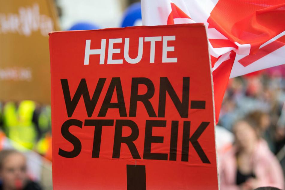 Die Gewerkschaft Ver.di ruft in Sachsen zum Streik im regionalen Linienverkehr auf. (Symbolbild)
