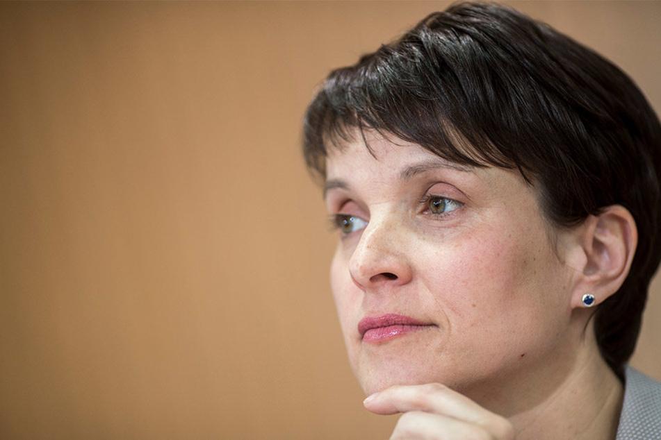 Frauke Petry wollte sich zu einem möglichen Rücktritt nicht äußern.