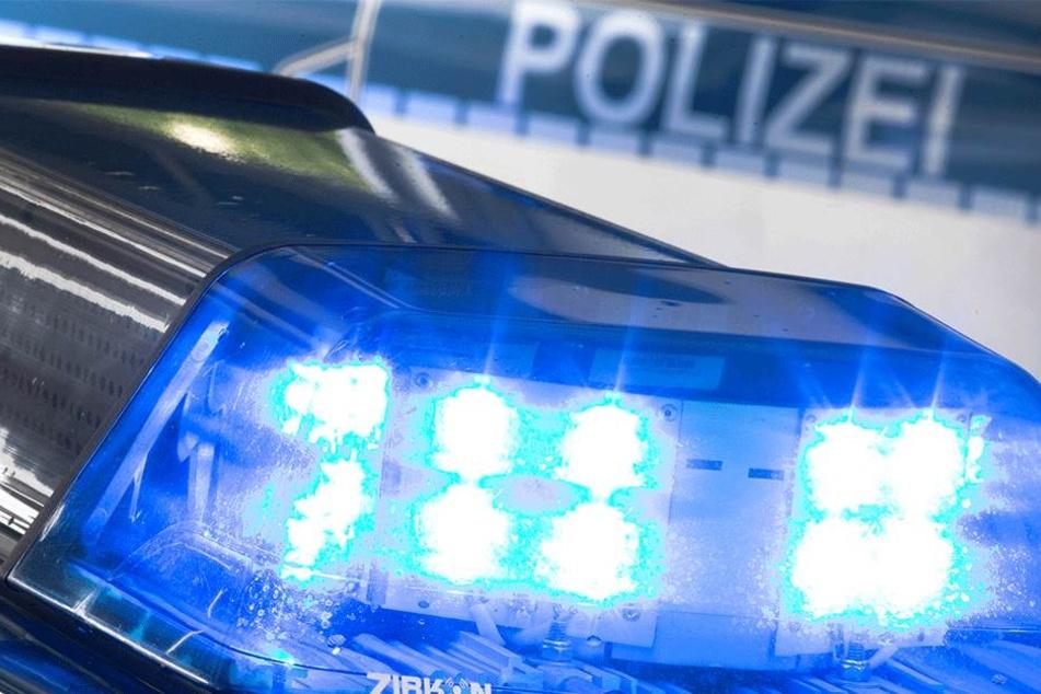 Die Polizei konnte den Bankräuber dank der Hilfe des Kunden festnehmen (Symbolbild).
