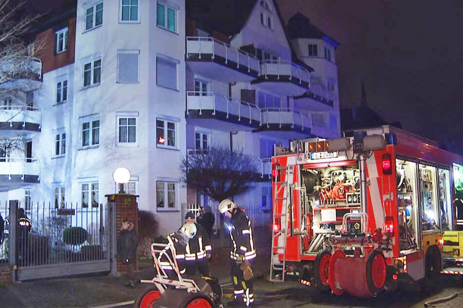 Mit einem Großaufgebot rückte die Feuerwehr zu dem Brand in Leipzig-Gohlis aus.