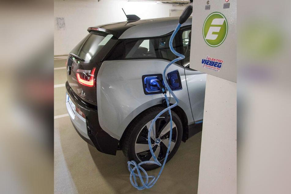 Autos sollen möglichst elektrisch durch Dresden rollen.