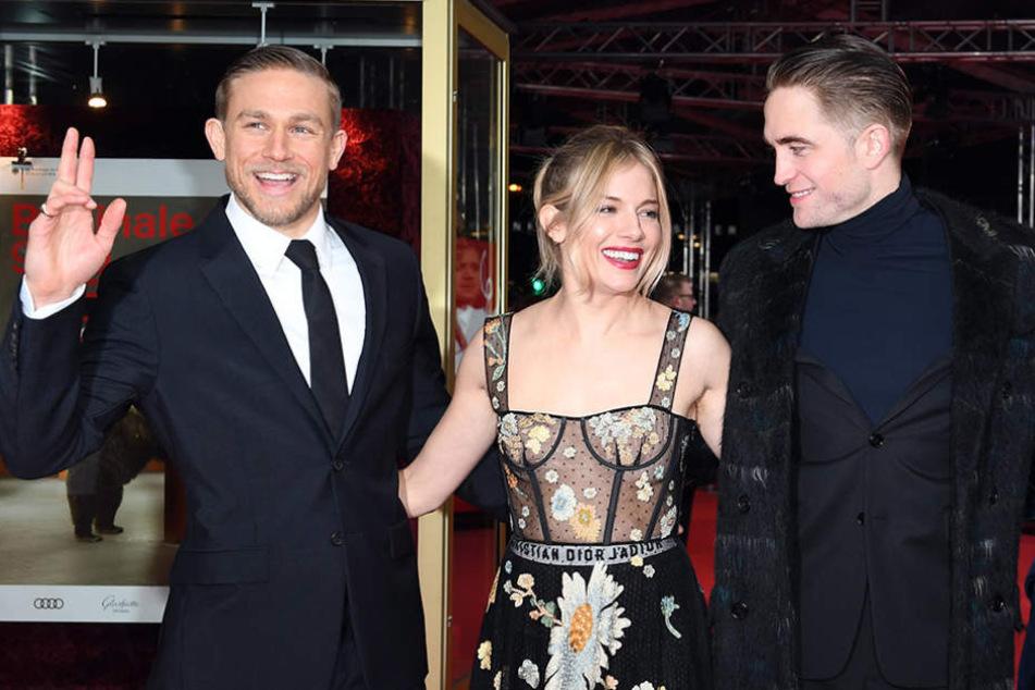 """Charlie Hunnam, Sienna Miller und Robert Pattinson bei der Berlinale-Vorstellung von """"Die versunkene Stadt Z""""."""