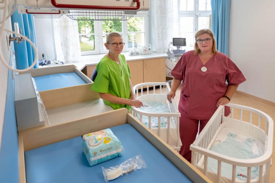 Grit Schuster (59, l.) und Claudia Hösel (33) genießen die Arbeitsatmosphäre auf der neuen Wochenstation.