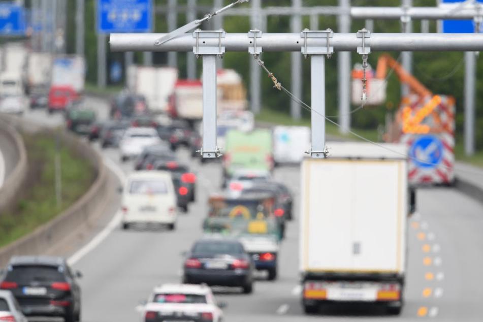 Viele Verstöße bei Gefahrgutkontrolle auf Autobahn 5