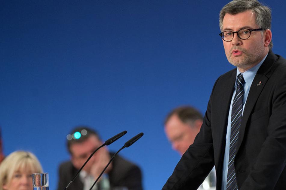 Der aktuelle Schatzmeister der SPD, Dieter Nietan möchte sein Amt behalten.