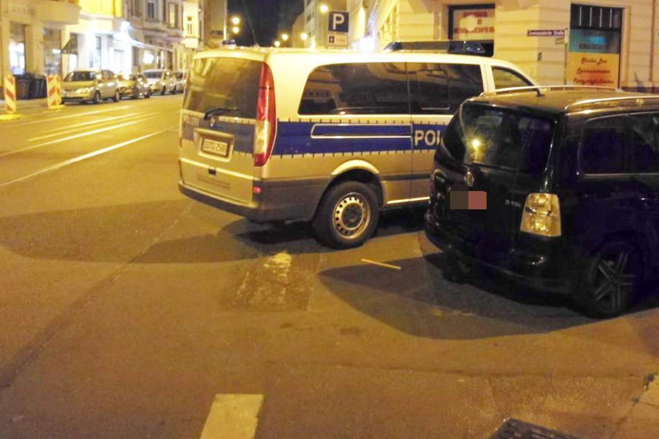 In Leipzig-Reudnitz sollen sich am Donnerstagabend mehrere Personen mit Stühlen beworfen haben.