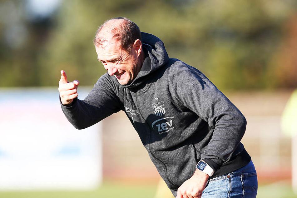 FSV-Coach Joe Enochs warnt vorm Spiel gegen Meppen vor Torjäger Nick Proschwitz.