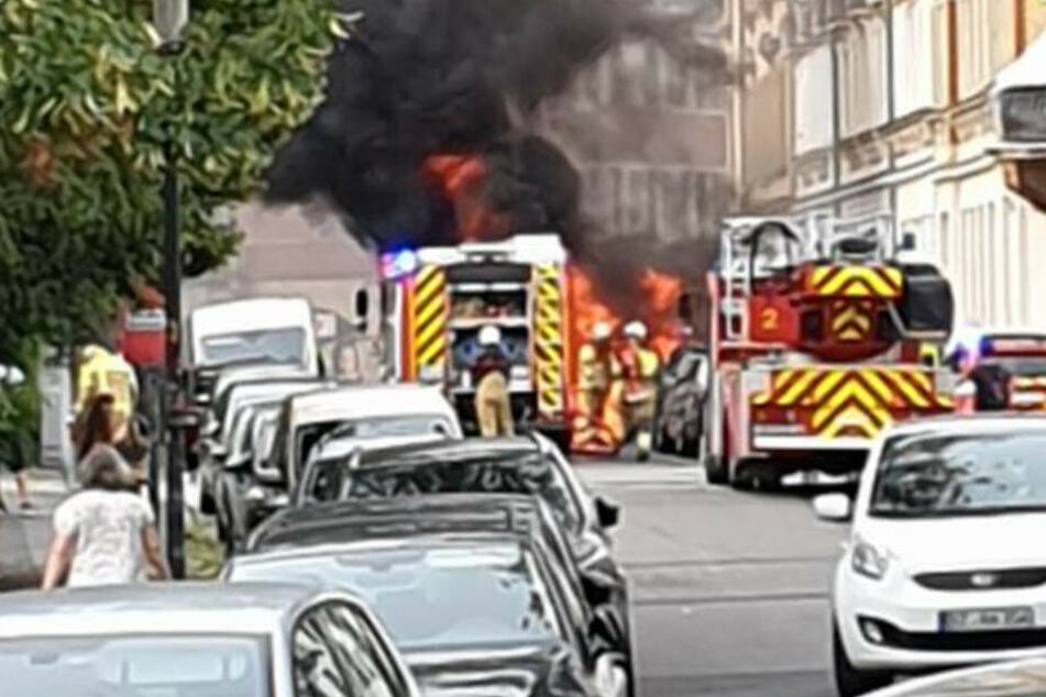 Die Feuerwehr soll das Feuer blitzschnell gelöscht haben.