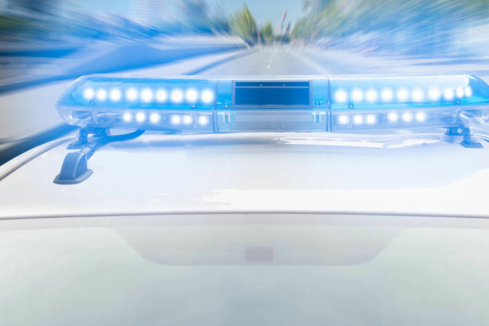 Mit Kleinkind im Auto: 21-Jährige liefert sich mit Polizei wilde Verfolgungs-Jagd
