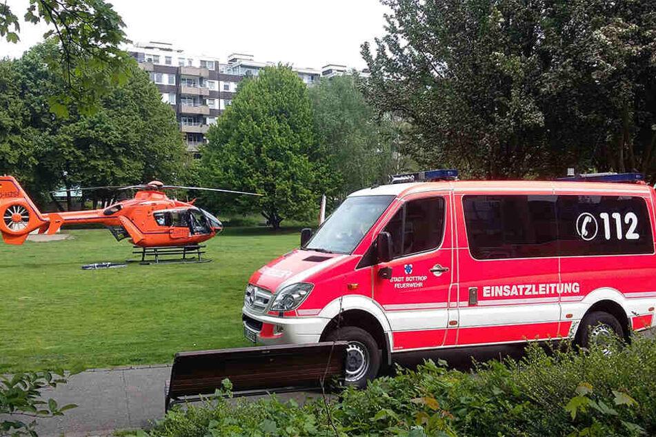 Beim Fensterputzen ist ein Mann am heutigen Freitagmorgen im nordrhein-westfälischen Bottrop verunglückt.