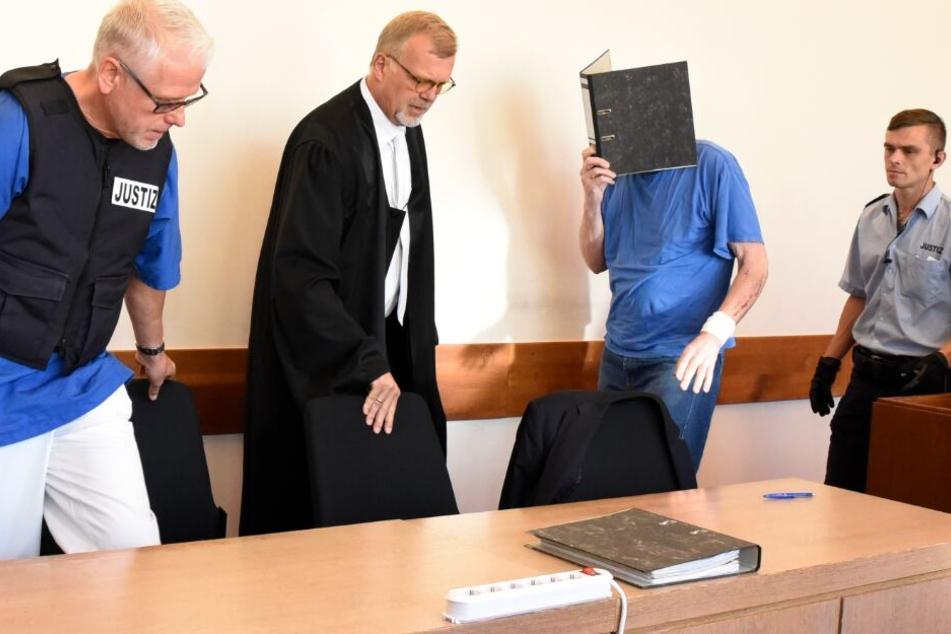 Beim letzten Gerichtstermin litt der Angeklagte Andreas V. unter starken Schmerzen.