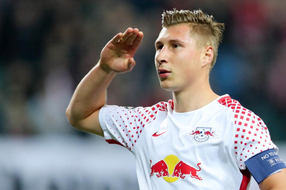 Willi Orban (26) wird auch weiterhin die Kapitänsbinde bei RB Leipzig tragen.