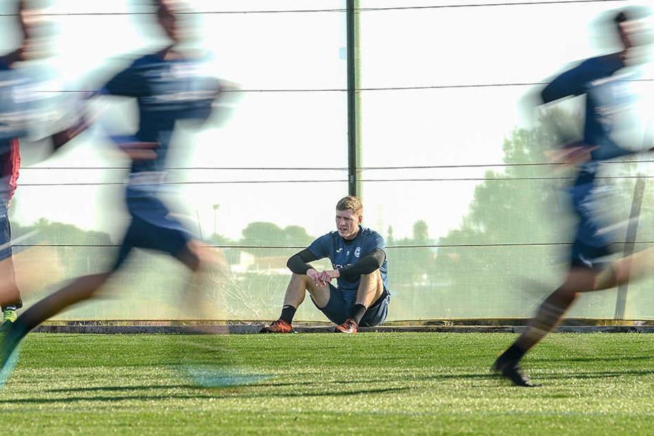Auch Sturmtank Fabian Klos brachte das Training wohl an seine Grenzen.