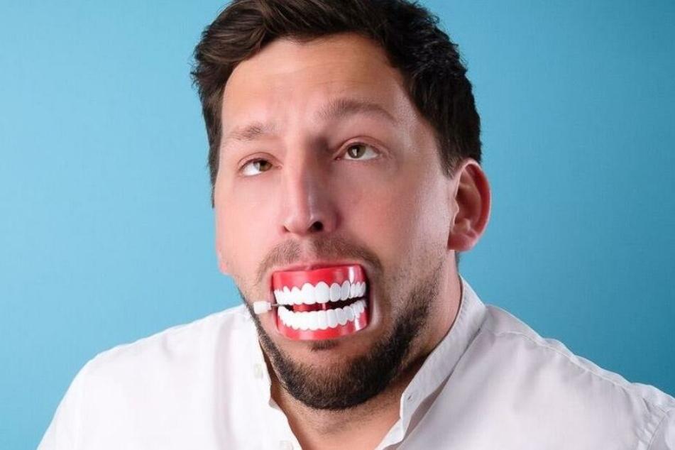 Kabarettist Moritz Michael versucht Wissenschaft mit Humor begreifbar zu machen.