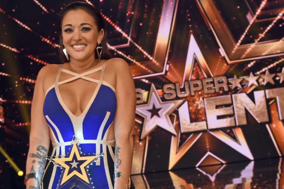 """Das """"Supertalent"""" 2016 ist gefunden: Eine englische Sängerin gewinnt die zehnte Staffel der Sendung: Angel Flukes (28)."""