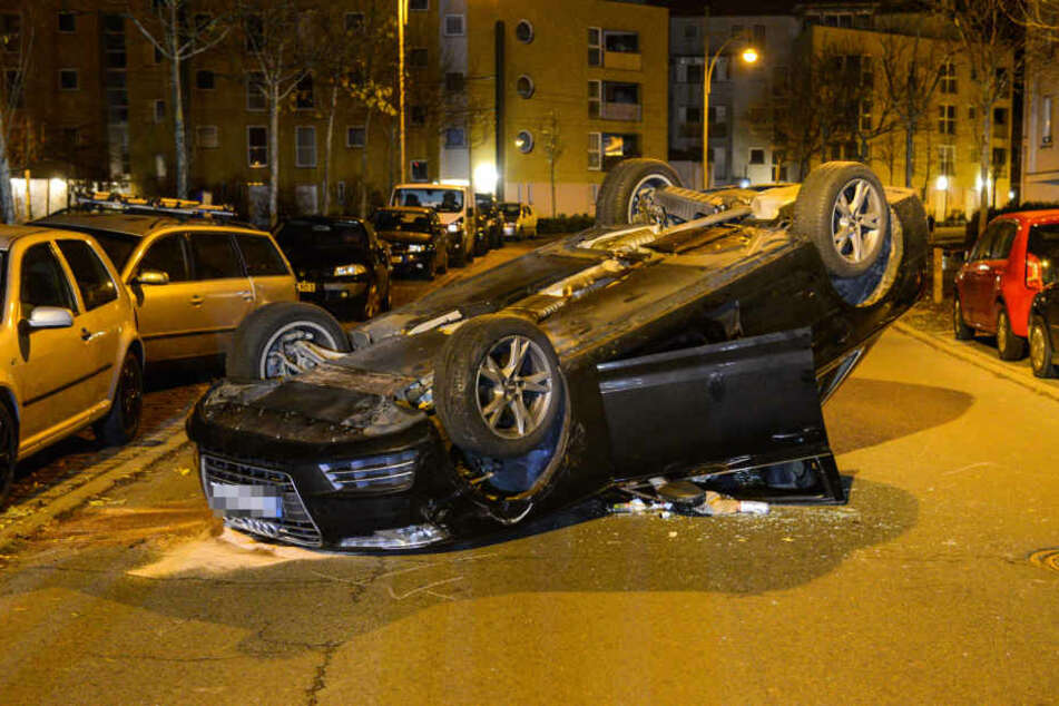 Ein Audi hat in Potsdam in der Nacht zu Dienstag sechs Autos gerammt.