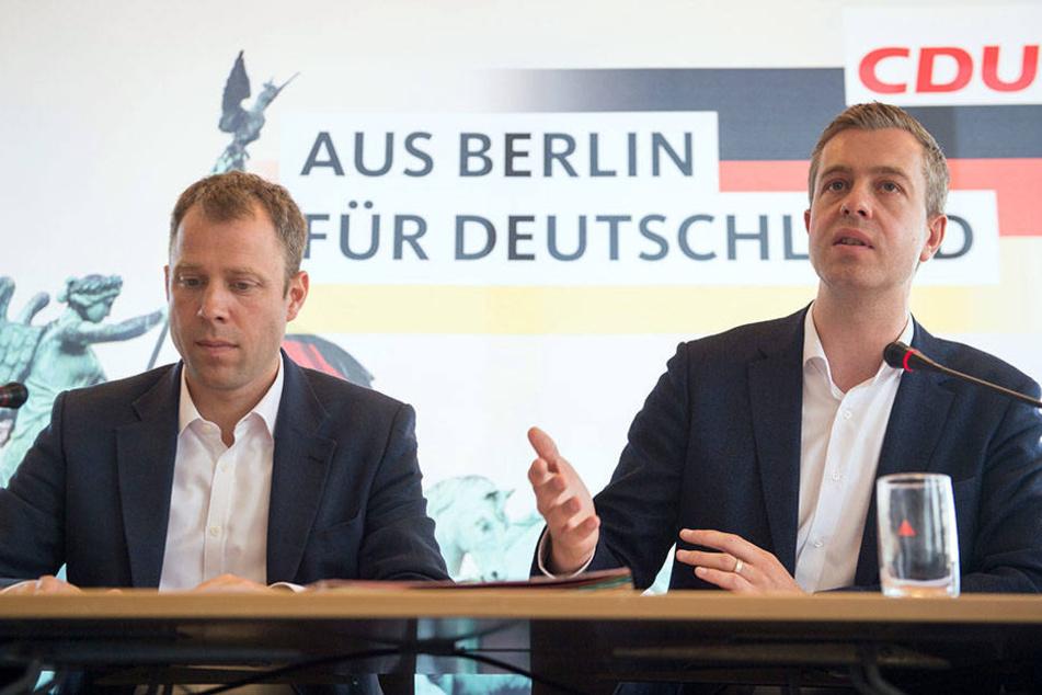Der Generalsekretär der Berliner CDU, Stefan Evers (r) und der Vorsitzende des Zukunftsforums der Berliner CDU, Mario Czaja.
