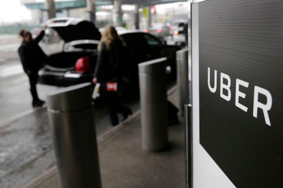 Ein Uber-Abholpunkt auf dem LaGuardia-Flughafen in New York. (Archiv)