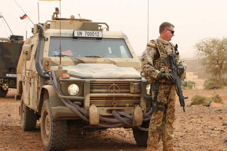 Bundeswehr: Zu heiß: Bundeswehr-Fahrzeuge in Mali nicht einsatzbereit