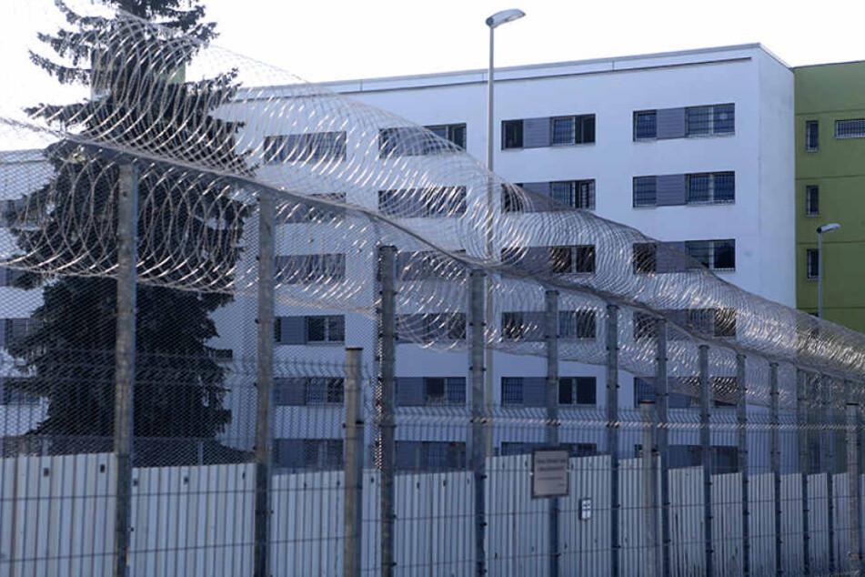 Eine linke Gefangenengewerkschaft will am 8. März vor der Frauen-JVA in der  Reichenhainer Straße demonstrieren.