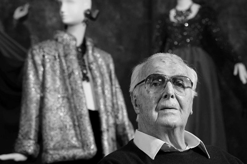 Der französische Modedesigner Hubert de Givenchy starb jetzt im Alter von 91 Jahren.